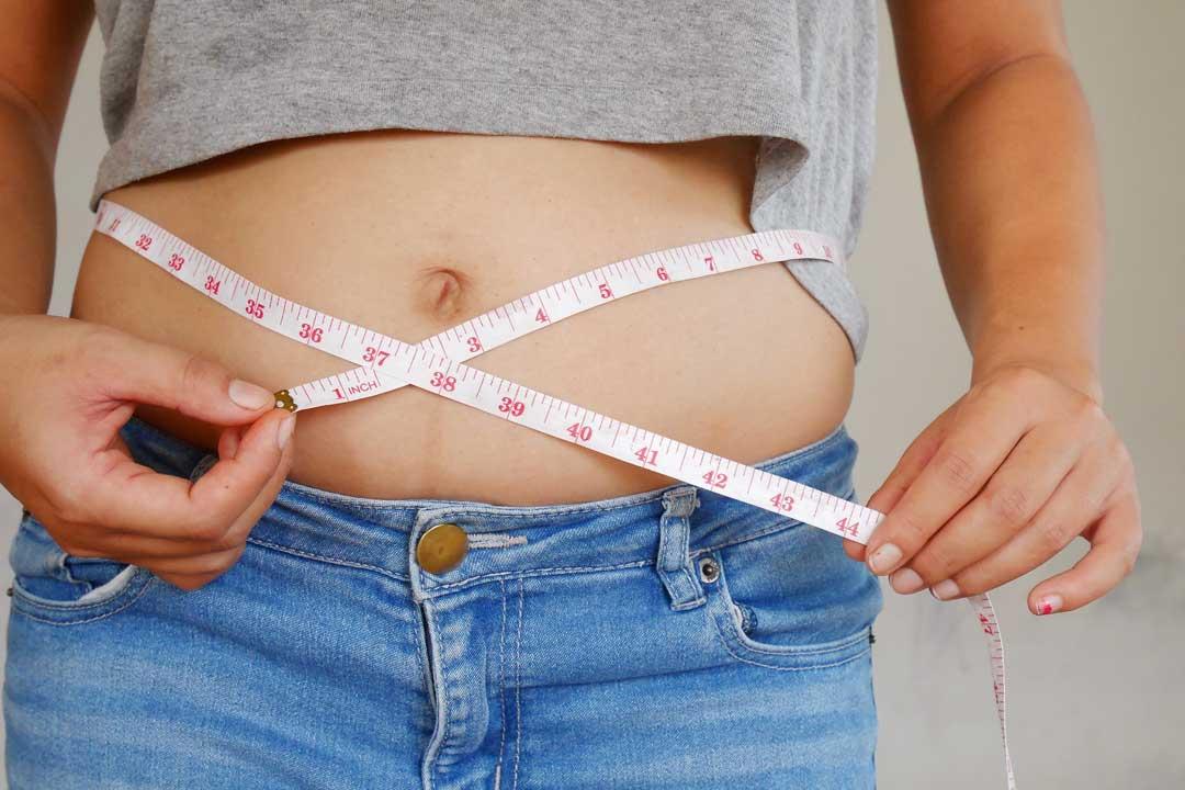 femme-centimetre-mincir-dupoidsalaligne